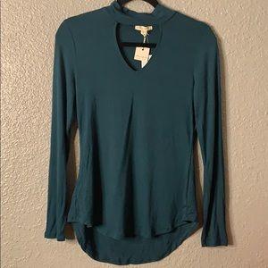Woman's Green Choker Top Long Sleeve size Medium